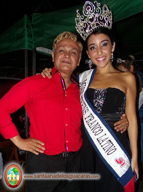 Vittoria Sarrat junto a Valentín Lescano, gestor cultural de Santa Ana de los Guácaras
